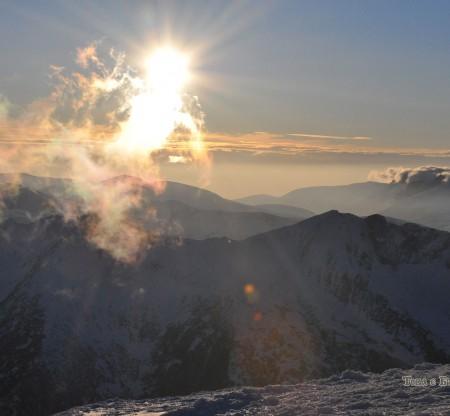 Панорама от връх Амбарица -  Това е България
