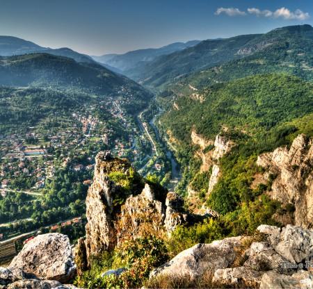 Скалите над гара Бов -  Това е България
