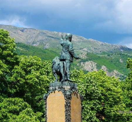 Паметник на Васил Велски – Карлово -  Това е България