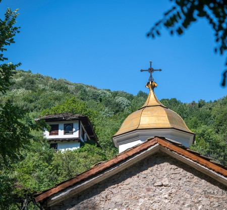 "Черепишки манастир ""Успение Богородично"" -  Това е България"