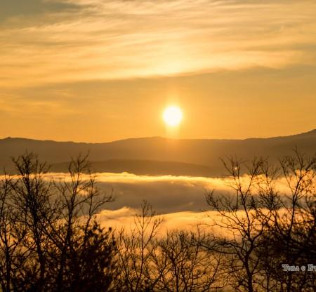 Изгрев над Челопеч -  Това е България