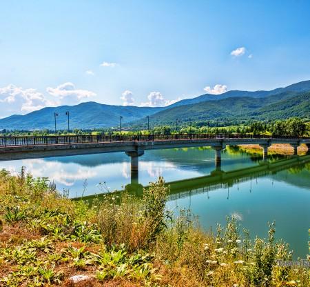 Мостът над езерото – Правец -  Това е България