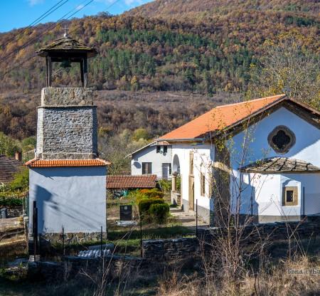 """Църква """"Свети Никола"""" – село Своде -  Това е България"""