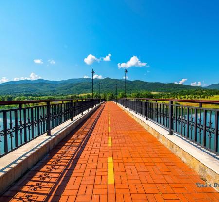 Мостът на розите – Правец -  Това е България