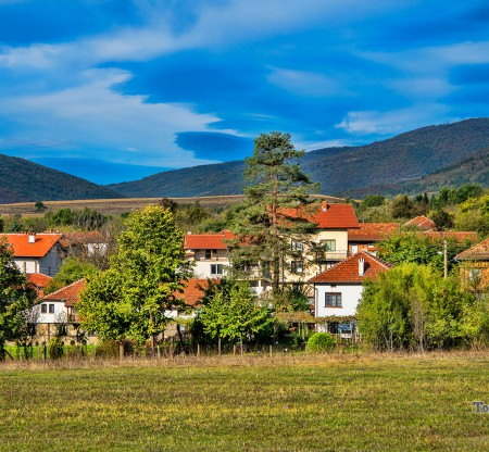 Село Равнище – община Правец -  Това е България