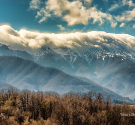 Стара планина над село Батошево -  Това е България