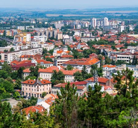 Панорама на град Враца -  Това е България