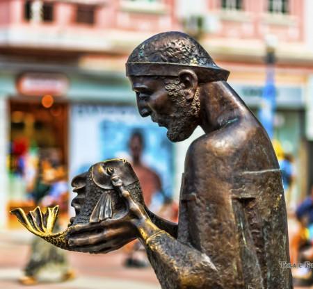 """Скулптура """"Рибарят и златната рибка"""" – Варна -  Това е България"""