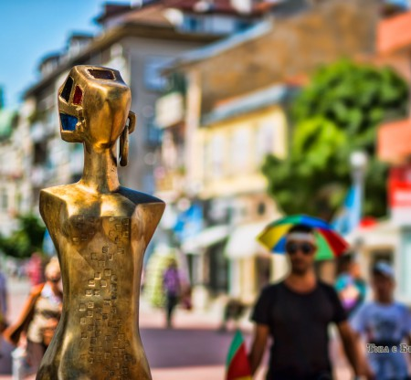 """Скулптура """"Разходка"""" – Варна -  Това е България"""