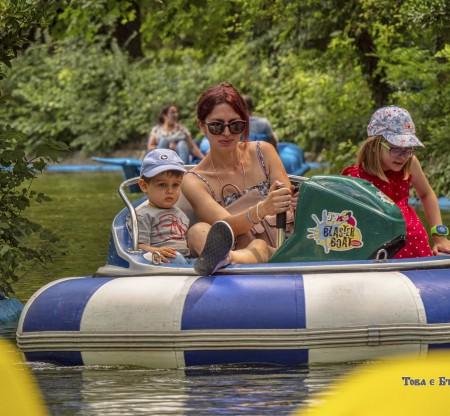 Водни развлечения в Морската градина – Варна -  Това е България