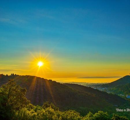 Изгрев над Шуменското плато -  Това е България