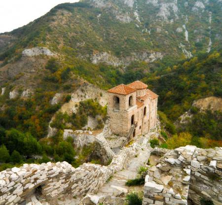 Храмовете на Асеновград -  Това е България