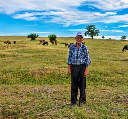 Портрет на роподски овчар -  Това е България