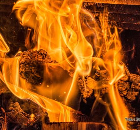 Огън в родопска механа -  Това е България