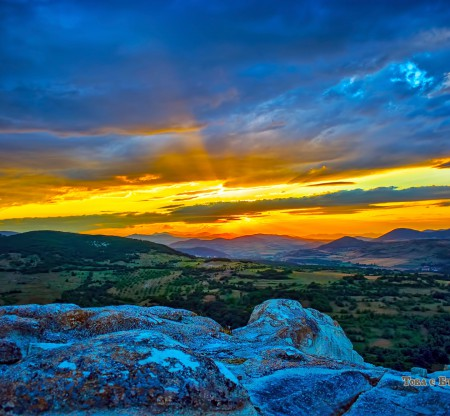 Залез над Перперикон -  Това е България