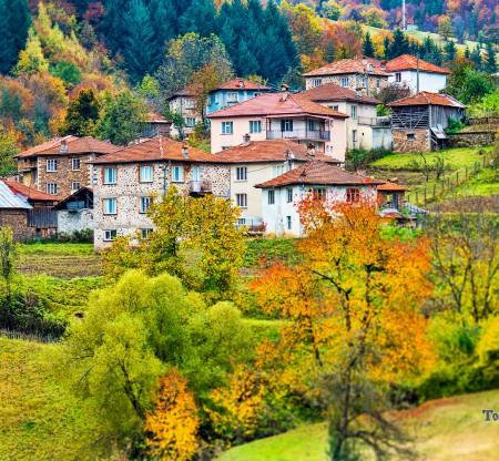 Родопски къщи по поречието на Арда -  Това е България