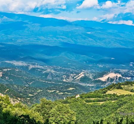 Поглед към Пирин планина -  Това е България