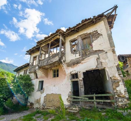 Стари къщи из Пиринско -  Това е България