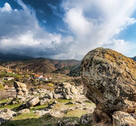 Панорама на село Влахи -  Това е България