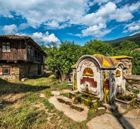 Старинна чешма – село Голешово -  Това е България