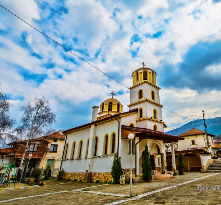"""Храм """"Св. Петка"""" – село Полена -  Това е България"""