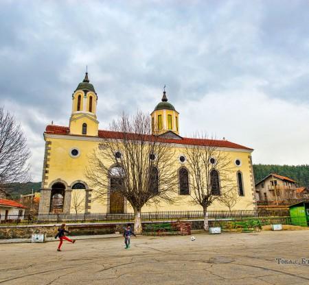 """Църква """"Света Неделя"""" – Ярлово -  Това е България"""