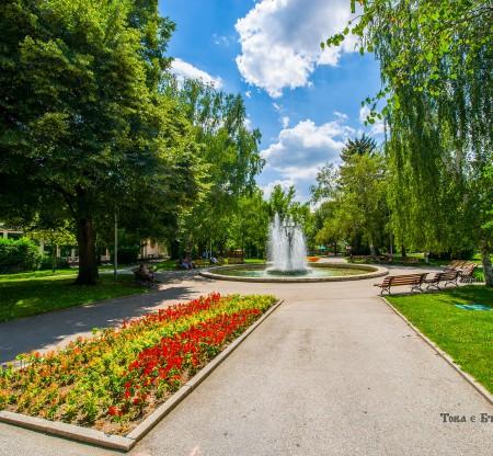 Центърът на град Хисаря -  Това е България