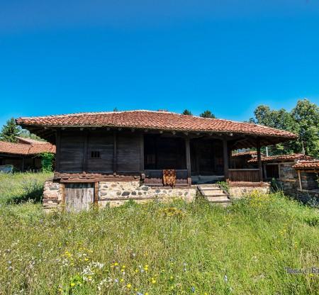 Талпената къща – село Баня, Панагюрище -  Това е България