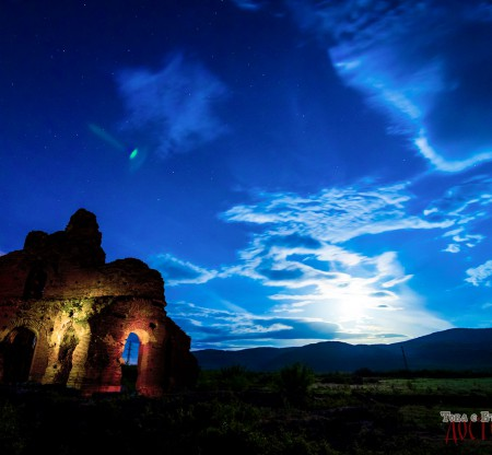 """Червената църква """"Света Богородица"""" – Перущица -  Това е България"""