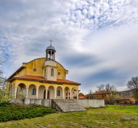 Храм Успение Богородично – село Войника -  Това е България